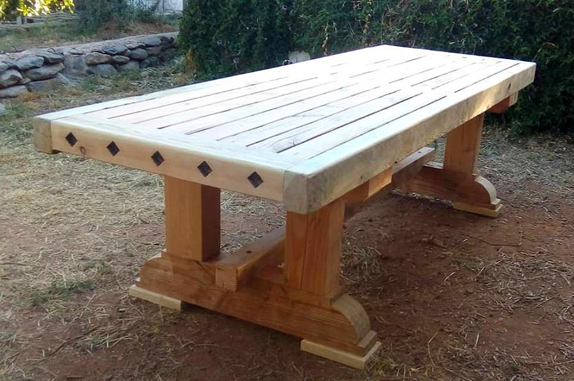 You are currently viewing Garden table